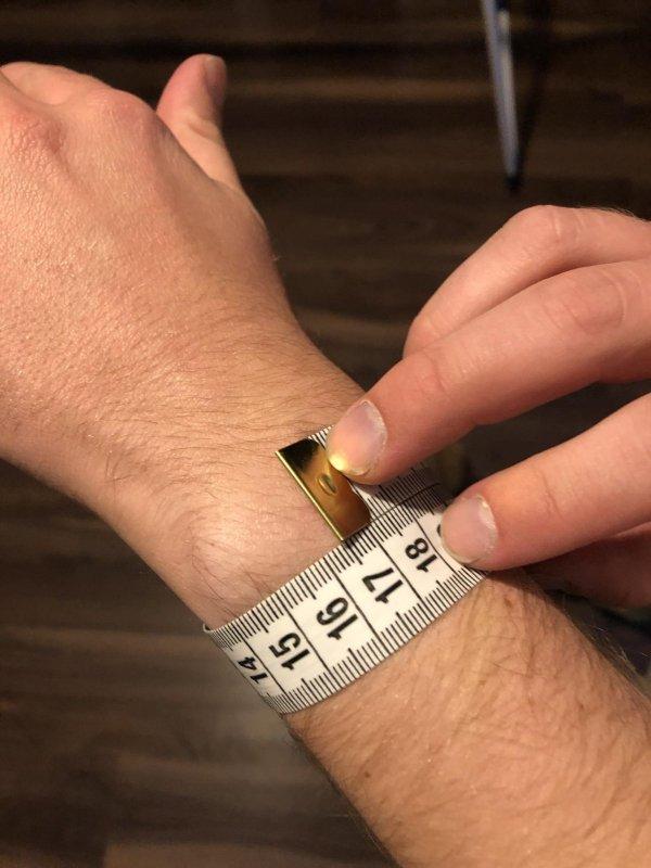 2647882