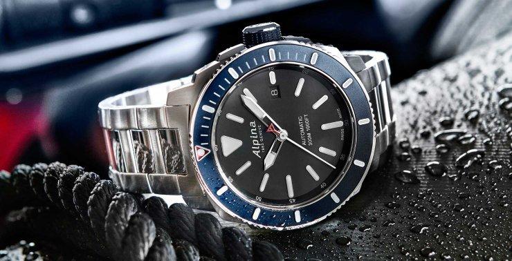894_Alpina_Seastrong_diver_300_Steel_opener-medium.jpg
