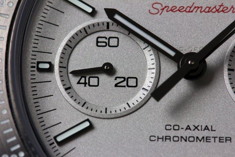Omega_Speedmaster_Grey_Side_of_the_Moon_Makro_003.jpg