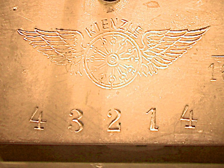 0001-Marke-und-Seriennummer.jpg