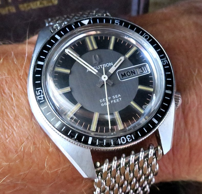 Bulova deepsea C 800.jpg