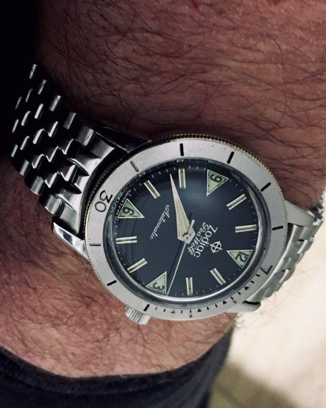 Seawolf:Zodiac_JBChampionBrac ZodiacCal72 1960er Wristshot.jpg