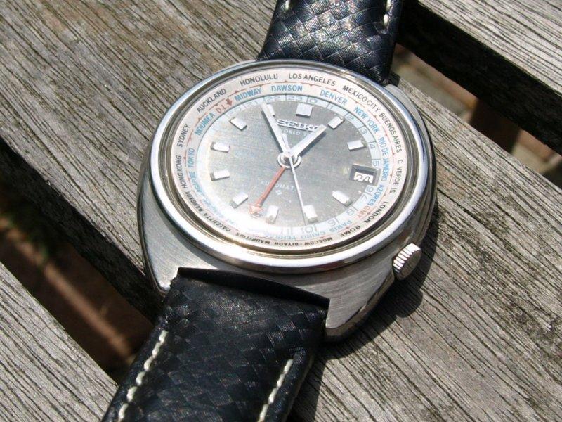 Uhr in der Sonne 1.jpg