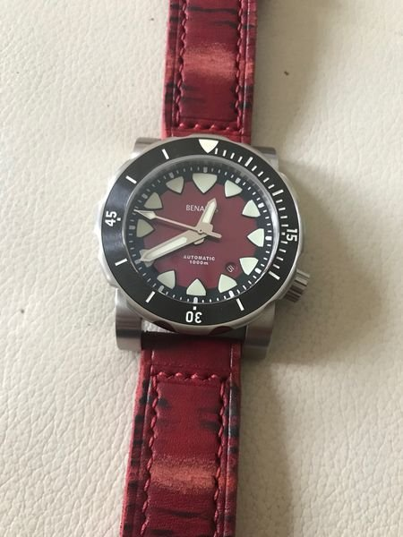 BenarusMako Red leather.jpg
