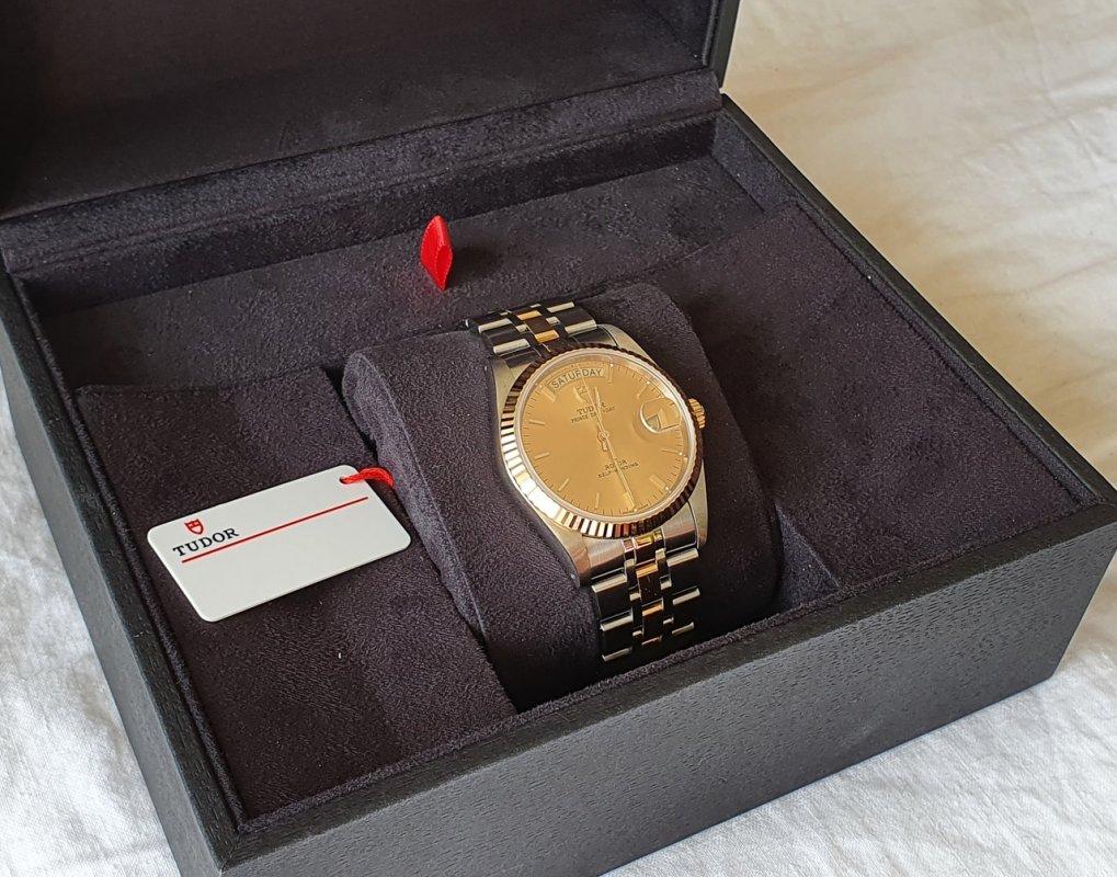 tudor-prince-gold-8.jpg