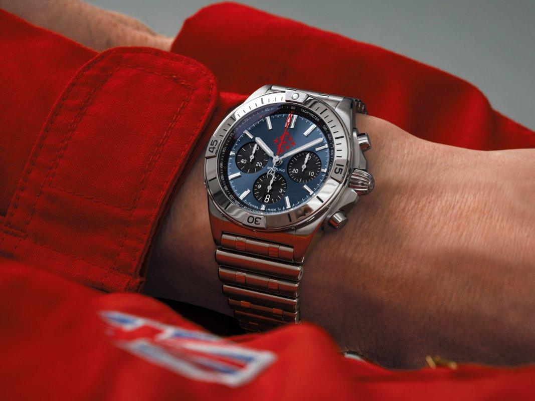 Breitling-Chronomat-Red-Arrows-1.jpg