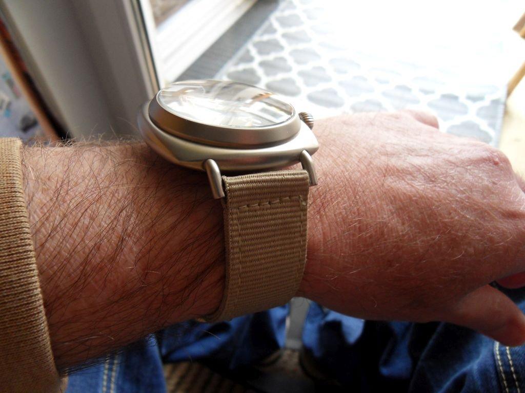 ARISTO 3H39 Wrist SN Beige.jpg