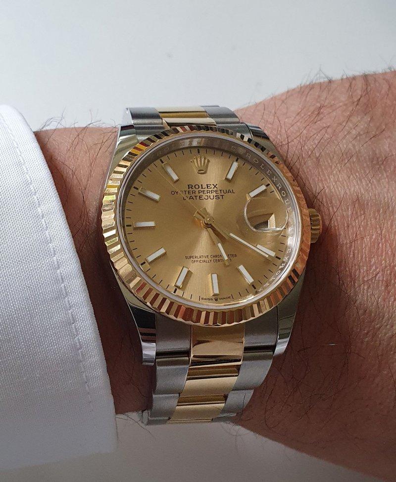 datejust-wrist.jpg