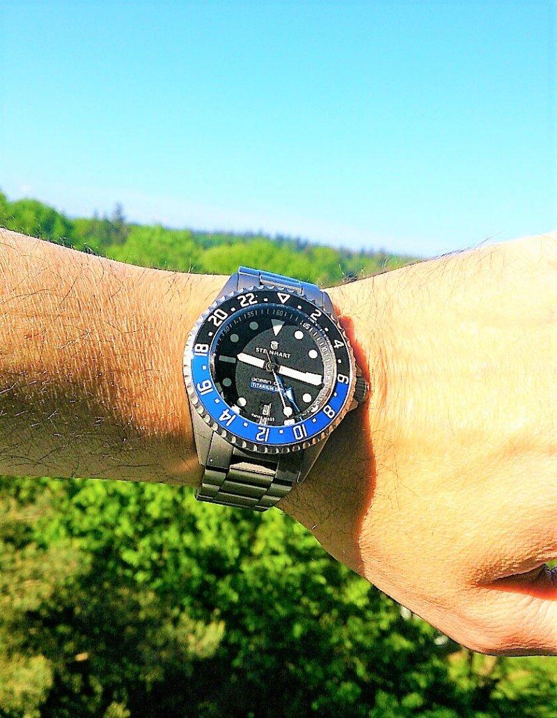Steinhart Ocean One Titanium 500 GMT Premium 02.jpg