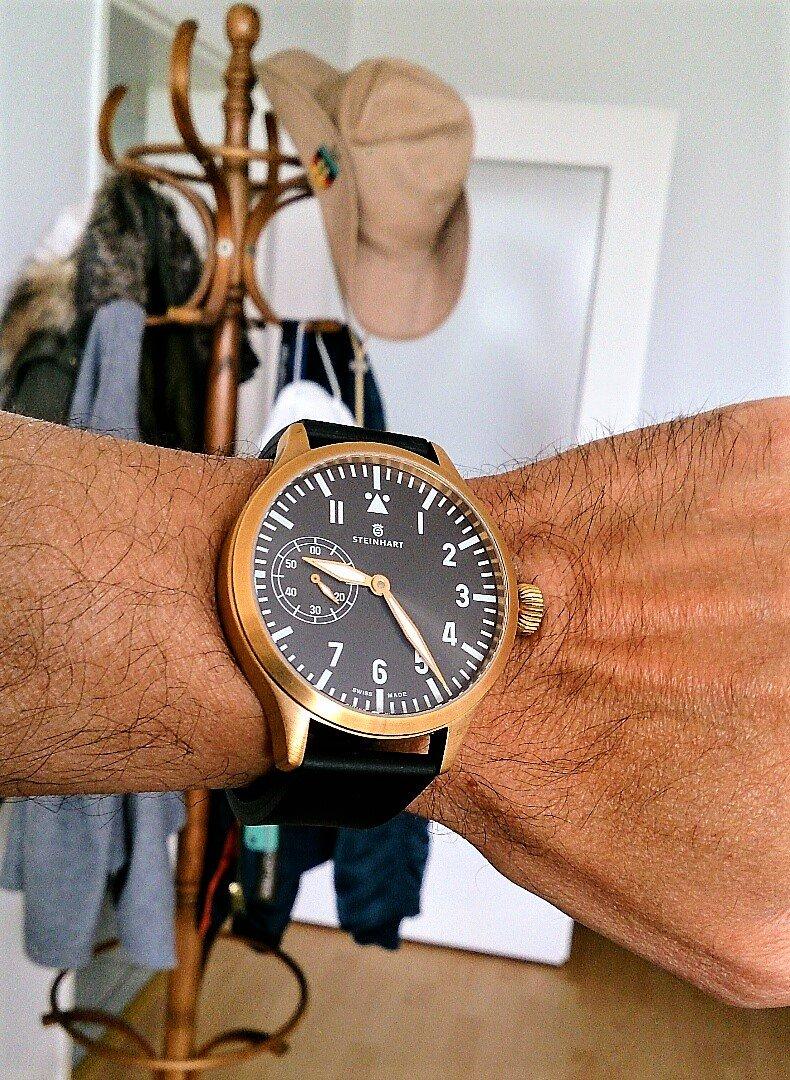 Steinhart Nav B-Uhr Bronze 01.jpg