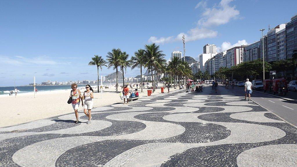 1024px-calado_de_copacabana-1.jpg