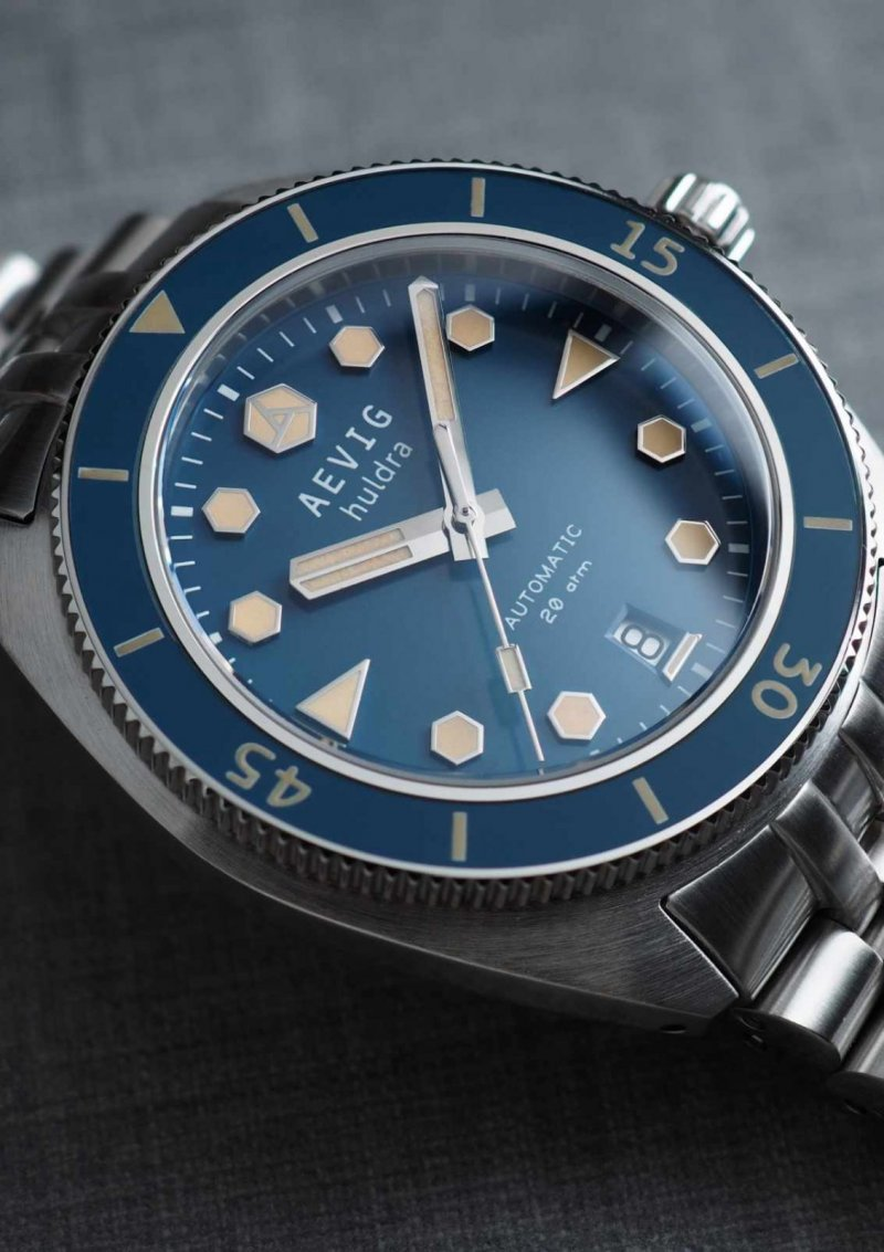 Aevig Huldra Blue Date 5.jpg