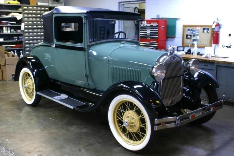 800px-1928-ford-archives.jpg