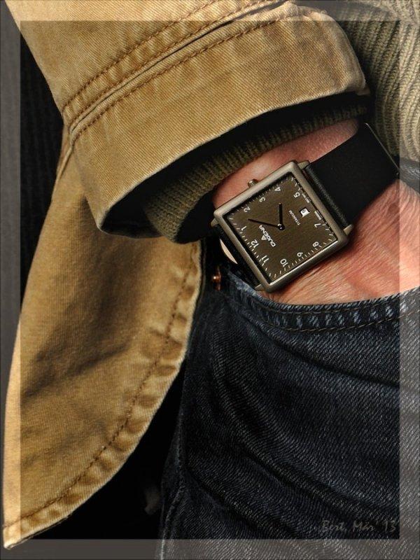 10_Wrist_Jeans.jpg