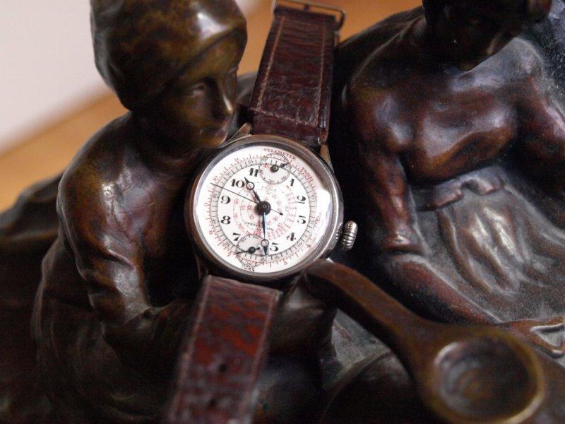 Uhr gehalten 1.jpg