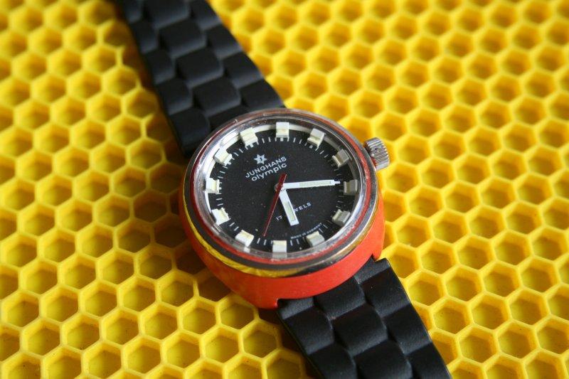 JUNGHANS Olympic Gehäuse Kunststoff orange (4).jpg