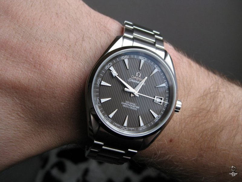 Omega AT teck-grau 08.jpg
