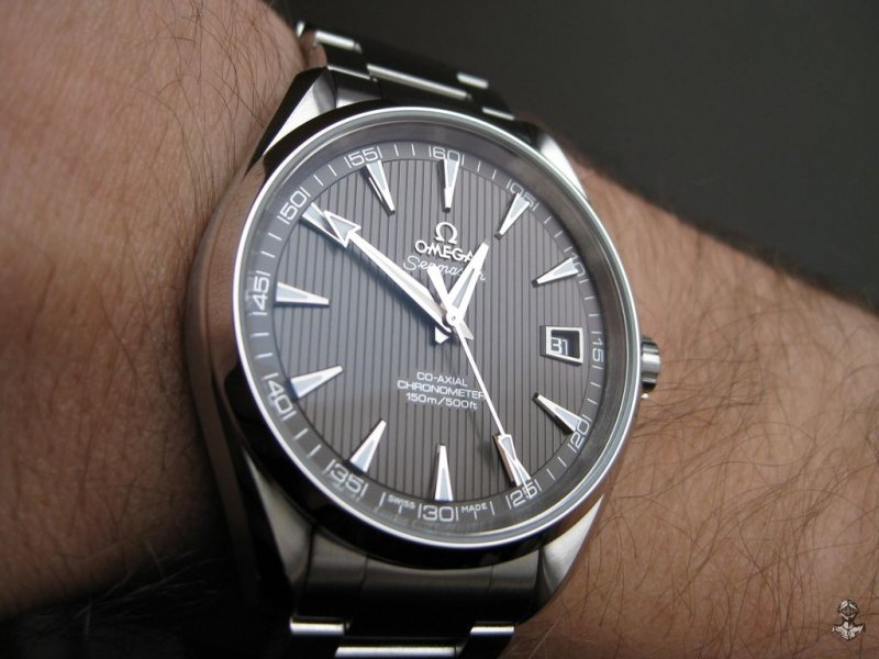 Omega AT teck-grau 09.jpg