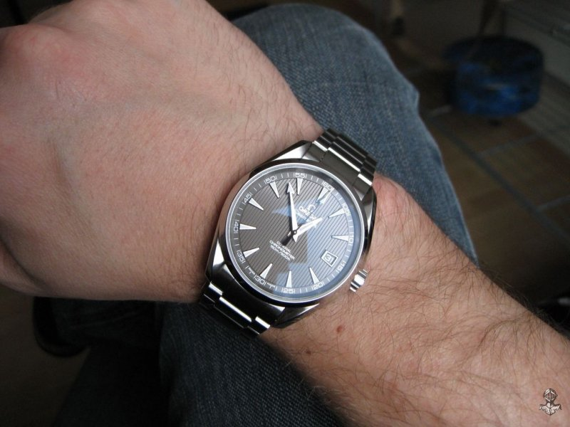 Omega AT teck-grau 12.jpg