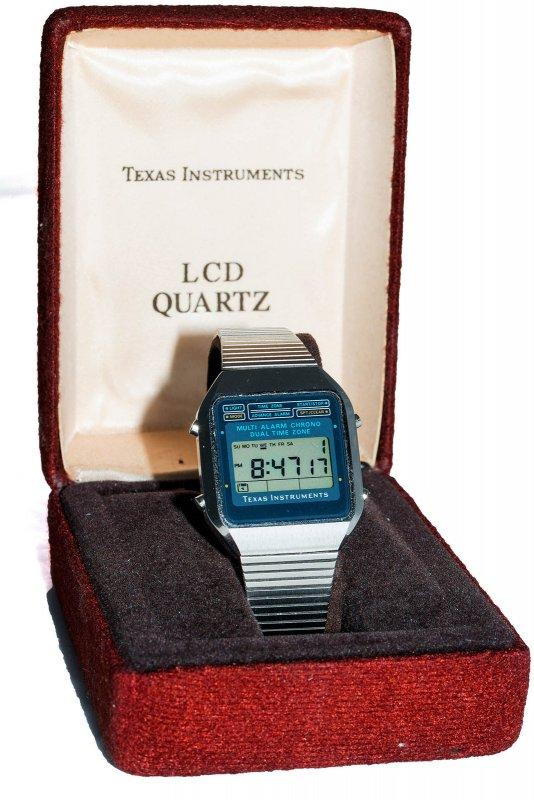 texas-instruments_in_box_[3]2015.jpg