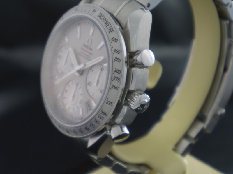 Omega_Speedmaster_Date_40mm_5.JPG